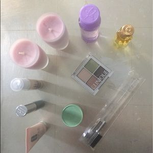 Clinique make up set! Great as gift too!!